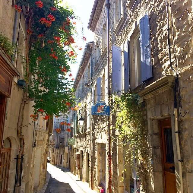 Joyeuse Rue des Arts - Ardechefriends.com