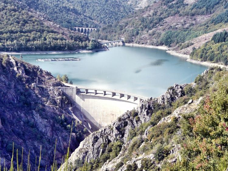 Gorges du Chassezac Barrage de Villefort - Ardechefriends.com