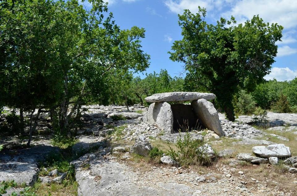 Labeaume - Plateau de Labeaume - dolmens - Ardechefriends
