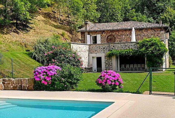 Vakantiehuis in Accons met zwembad