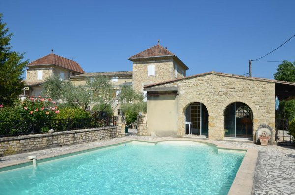 Vakantiehuis in Cornillon met zwembad
