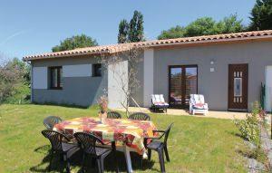 Vakantiehuis In Charols | Ardèche camping in Provence-Drôme-Ardèche