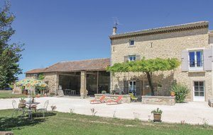 Vakantiehuis In Pernes Les Fontaines   Ardèche camping in Provence-Drôme-Ardèche